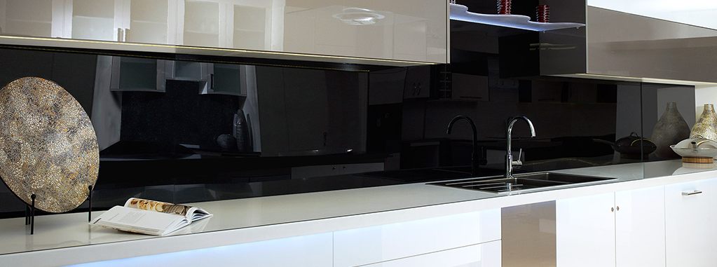 Plastic-kitchen-splashback-black