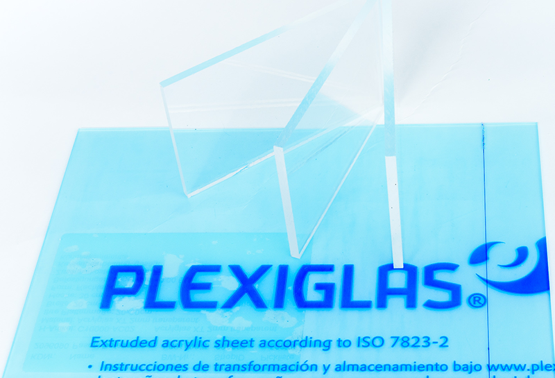 The difference between acrylic and plexiglass