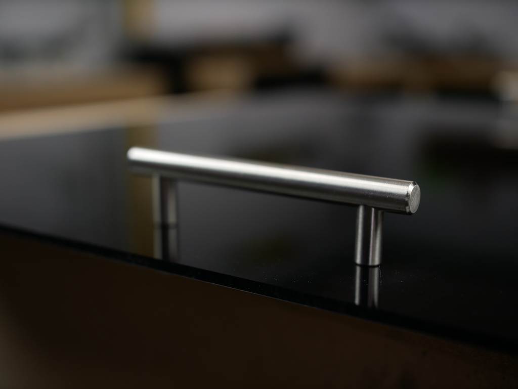 Handles footstool tray