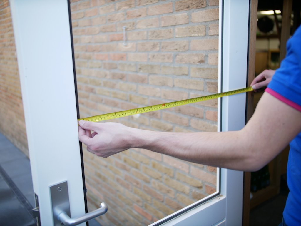 Replace a window glass measure rebate size