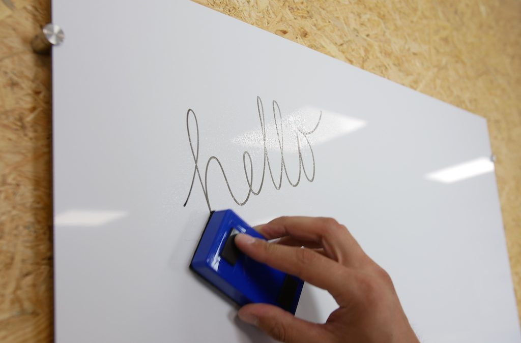 DIY: whiteboard made from ACP