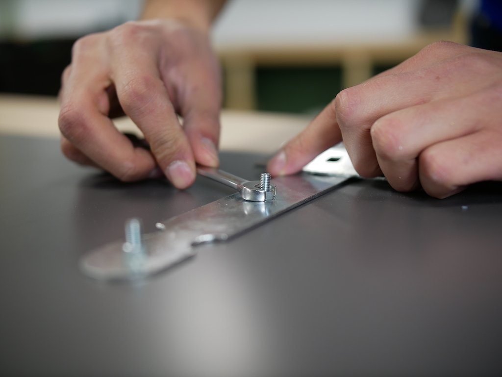 Parcel box fix hinges