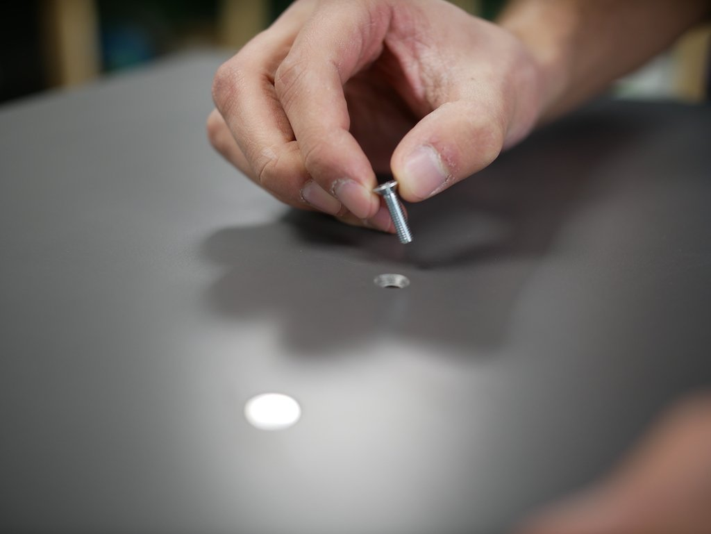 DIY outdoor cushion storage box countersink screw