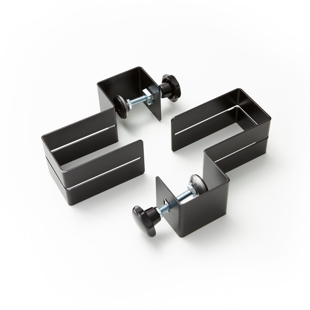 Set of clamps for perspex screen