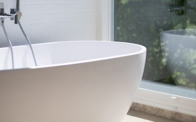 Three reasons to choose acrylic sheet for bathroom window privacy