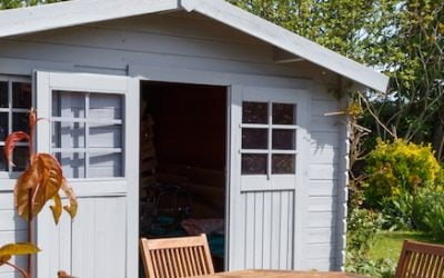 Replace garden shed windows with PERSPEX®