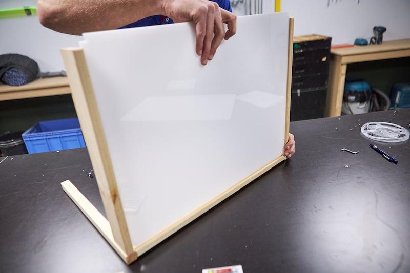DIY light table assembling frame