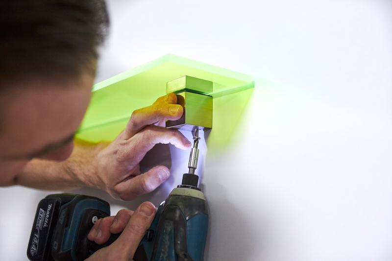 picture shelf DIY drilling