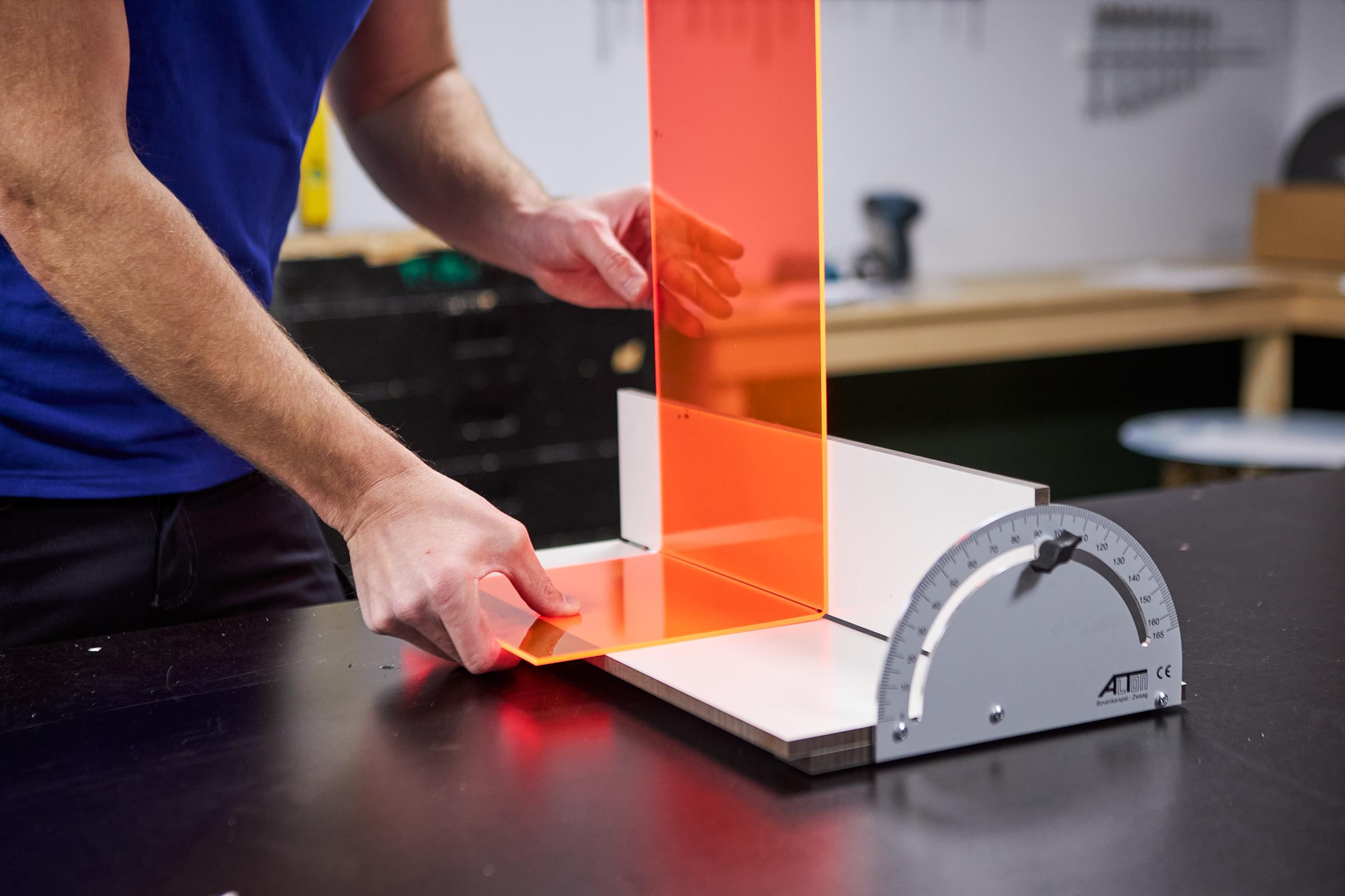 small acrylic talbe 90 bend